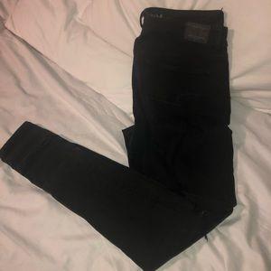 Black American Eagle skinny jeans
